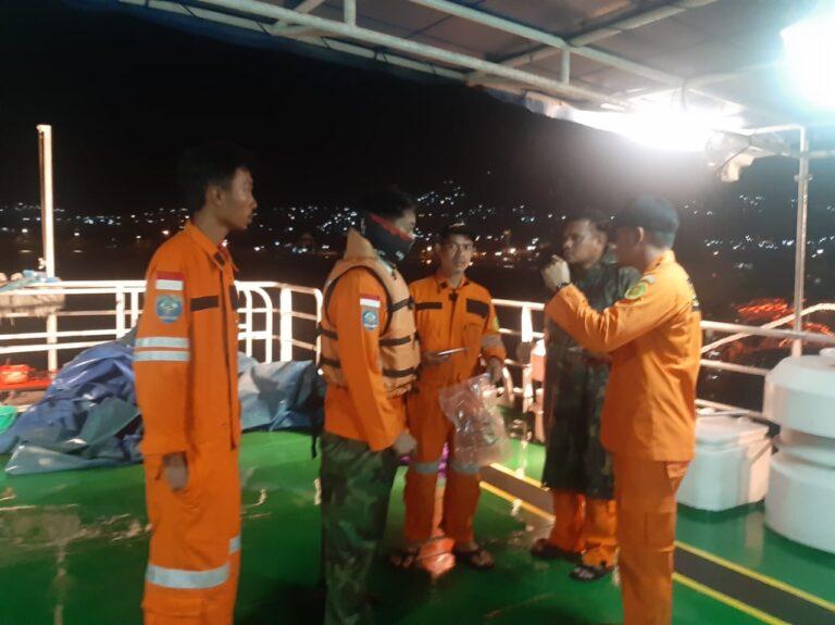 Memancing, 3 Pemuda Dihantam Gelombang