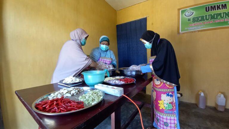 Melihat Produksi Sambal Roa di Banggai Laut