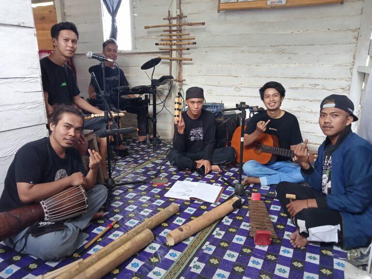 Banggakan Daerah, Seniman Nambo Bersaing dengan 241 Kelompok Musik di LIMNTARA
