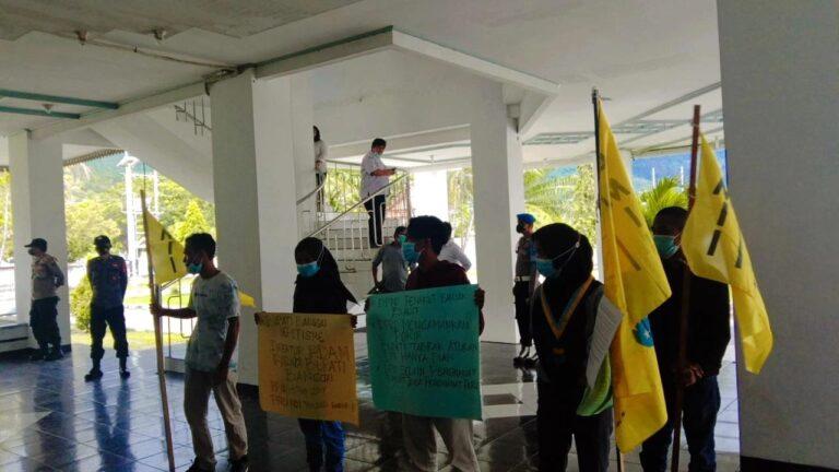 Dinilai Amini Pelanggaran Perda, PMII Banggai Sampaikan Mosi Tidak Percaya Terhadap DPRD