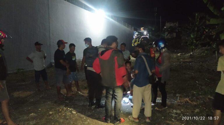 Penangkapan Dua Pria Tak Dikenal, Saat Mengambil Sabu-Sabu